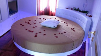 camera-da-letto-romantica-suite